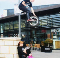 Ben Scott – Big Street Unicyclist